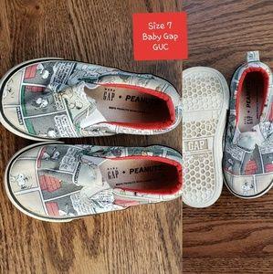 Peanuts Gap shoes size 7